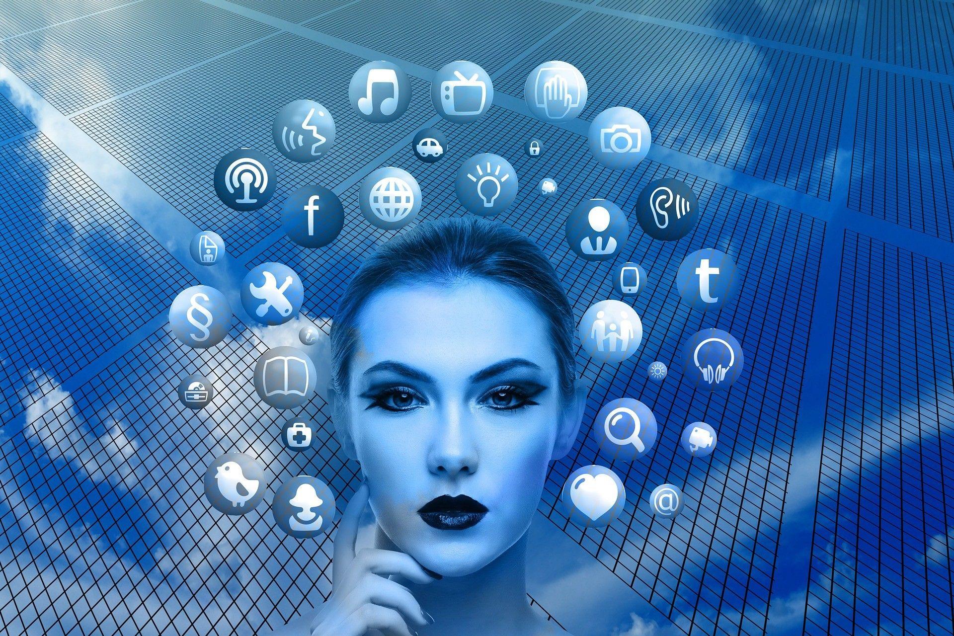 Oglaševanje na socialnih omrežjih Facebook in LinkedIn