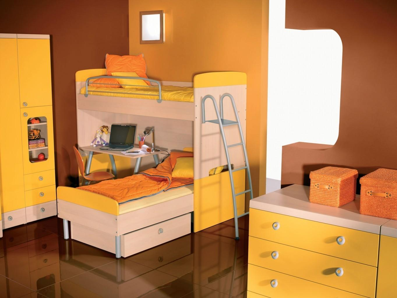 Otroška postelja - pograd