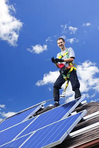 Male sončne elekrarne možno pritrditi skoraj kamor koli