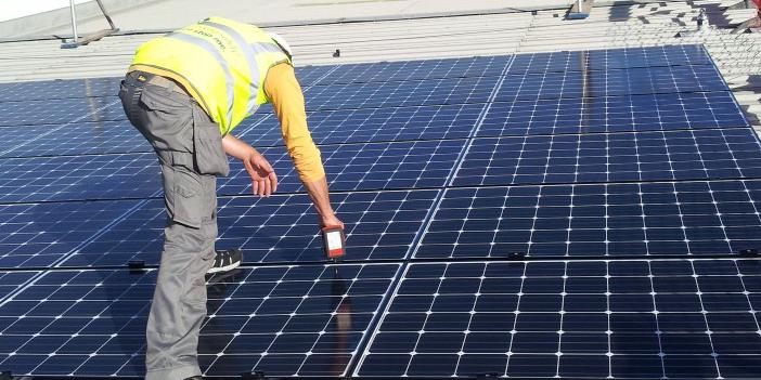 Prodajamo in vgrajujemo fotonapetostne module (panele) različnih proizvajalcev