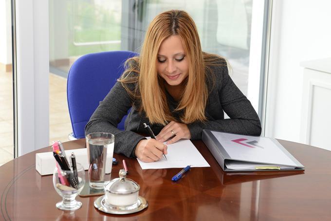 Učni program za hitro učenje poslovne angleščine.