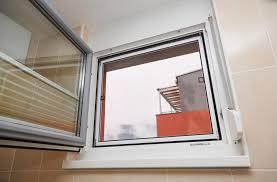 Komarniki za okna Strle