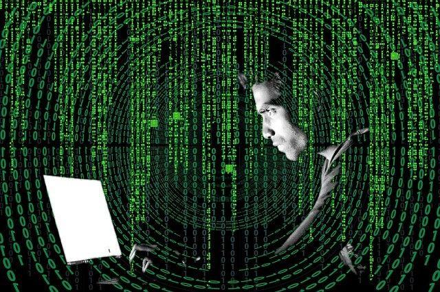 Zaščita prenosnikov pred nevarnostmi na spletu