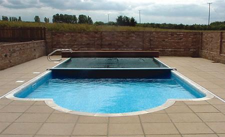Prekrivanje in vzdrževanje bazena
