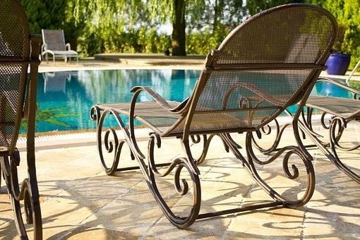 Uživajte ob bazenu in povabite prijatelje