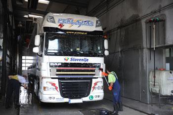 Pralnica tovornih vozil