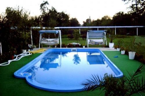 Adriapool bazeni-bazenska tehnika, montažni bazeni, leseni bazeni, bazenske rolete, bazenske strehe