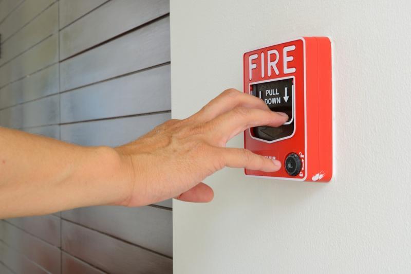 ročni javljalnik požara