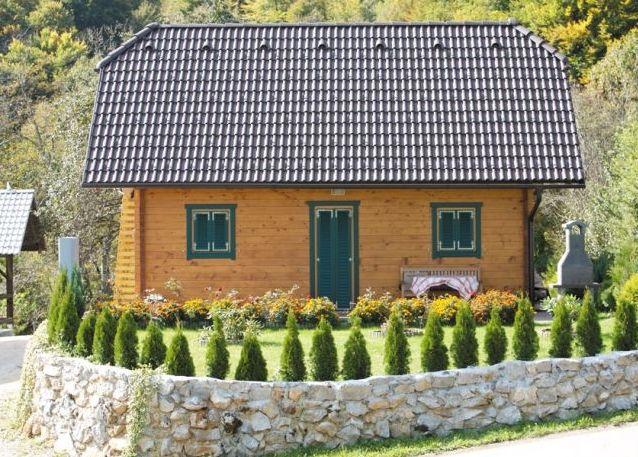 Življenje v leseni hiši