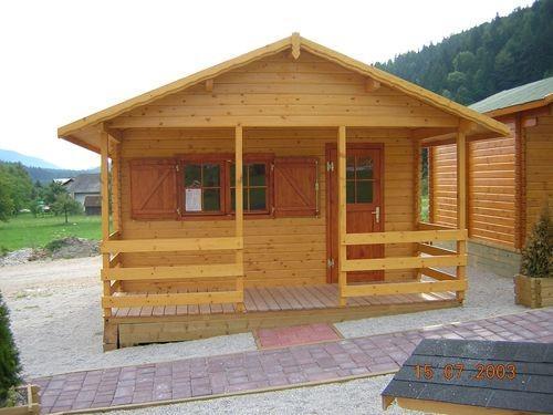 Lesen bungalov - brunarica