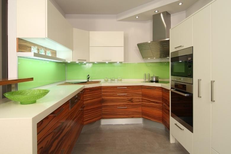 Kuhinje različnih barv