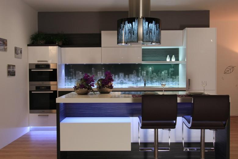 Moderna kuhinja | barve kuhinj