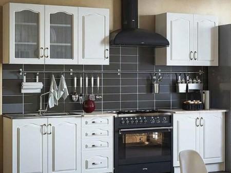 Klasična kuhinja, ki jo lahko kupite v celoti ali po delih