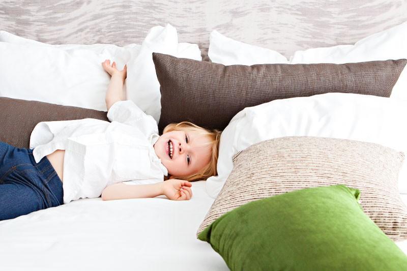 Praktične postelje za otroke s predali