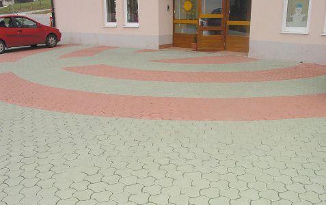 Tlakovanje dvorišča