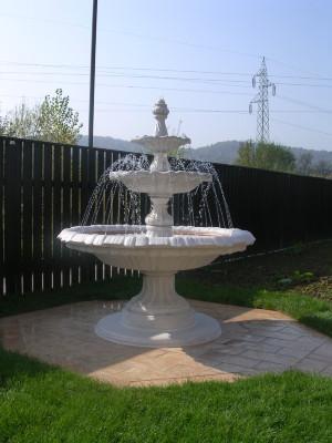 Okrasne fontane iz umetnega kamna