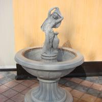 Pri urejanju vrta in okolice ne pozabite na okrasne izdelke iz betona