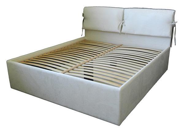 Oblazinjene postelje po meri