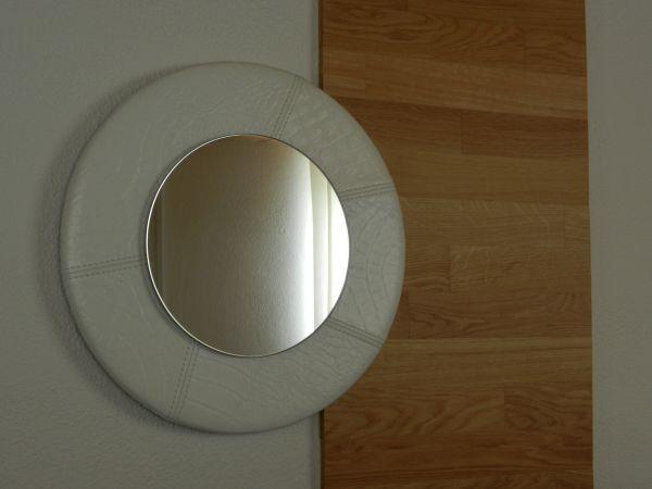 Ogledala po meri v spalnici