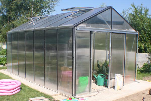 Pravilno zalivanje vrta z namakalnim sistemom