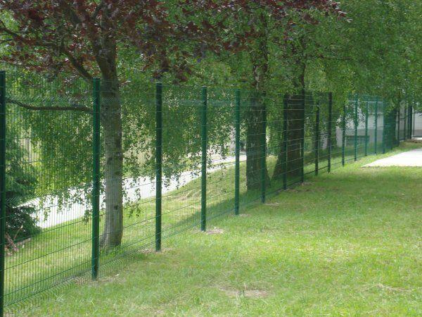 Kovana dvoriščna ograja