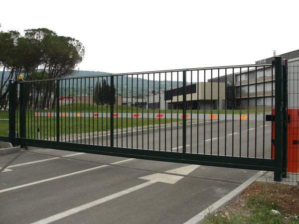 Vrata za panelne ograje
