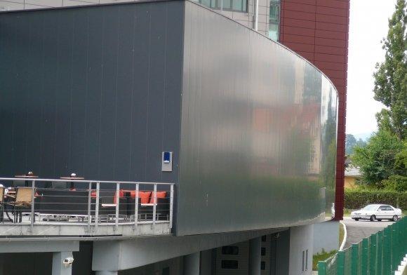 Pločevinaste in kovinske fasade