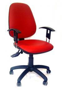 Moderni pisarniški stol za pravilno držo