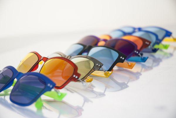 Okvirji za očala različnih vrst