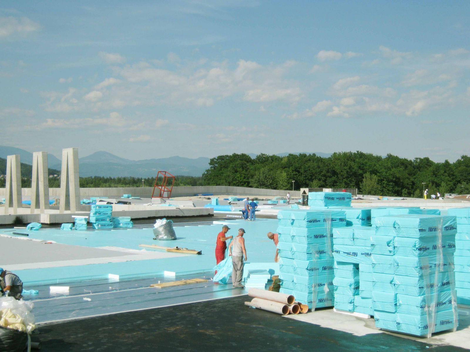 izolacija strehe cena