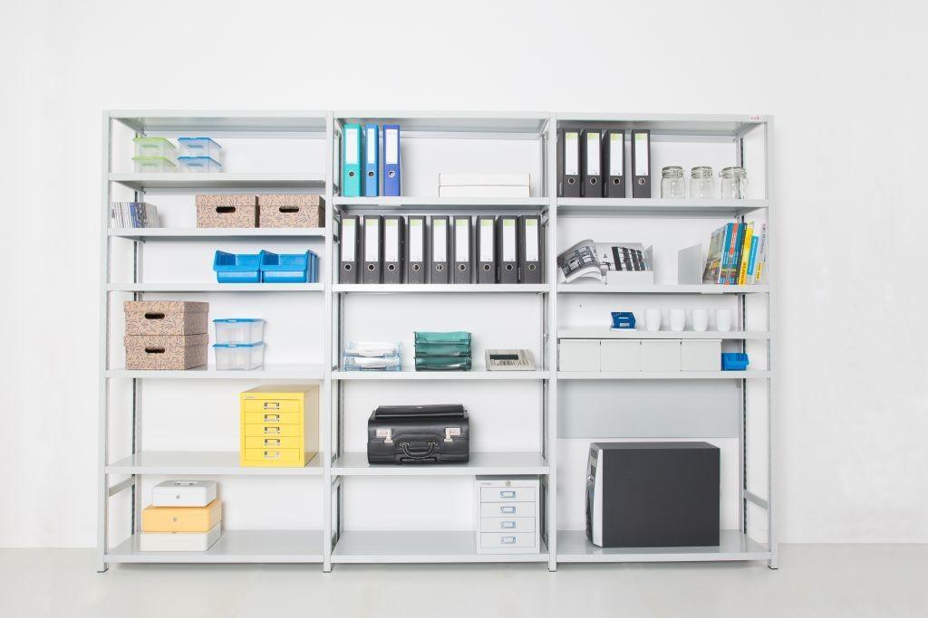 Kovinski pisarniško pohištvo za urejanje dokumentov