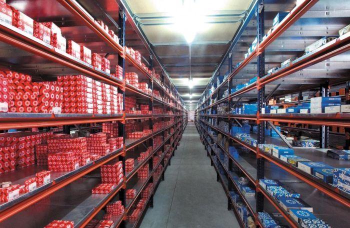 Skladiščni regali iz našega prodajnega programa so primerni za različne vrste skladiščenja