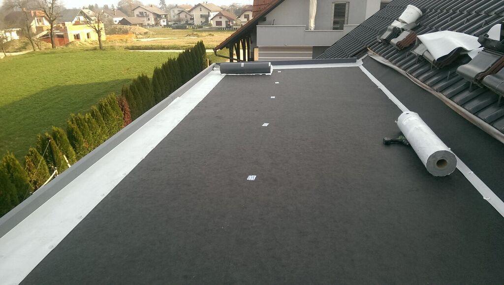 Kritina za ravne strehe, prekrivanje streh