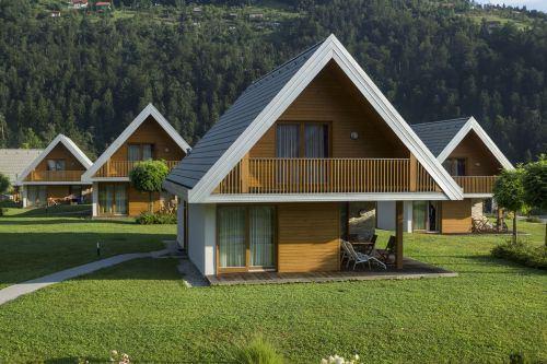 gradnja lesene hiše cena