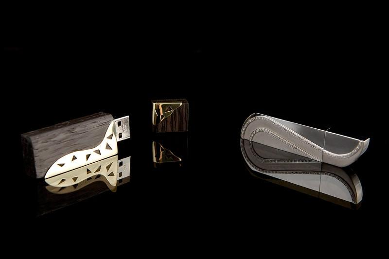 USB ključek z diamanti