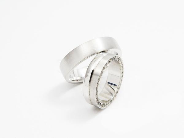 Zaročni prstan z diamantom