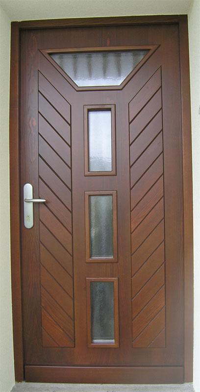 Vhodna lesena vrata