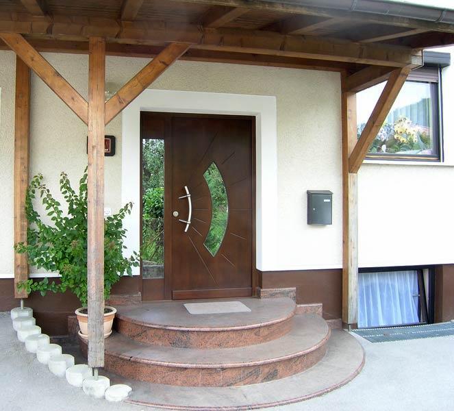 Vhodna vrata na obroke pri Oblak Mizarstvu