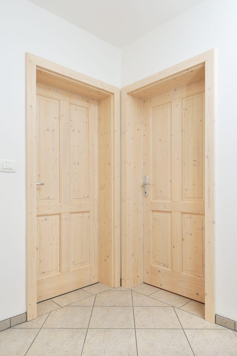 Enostavna notranja vrata