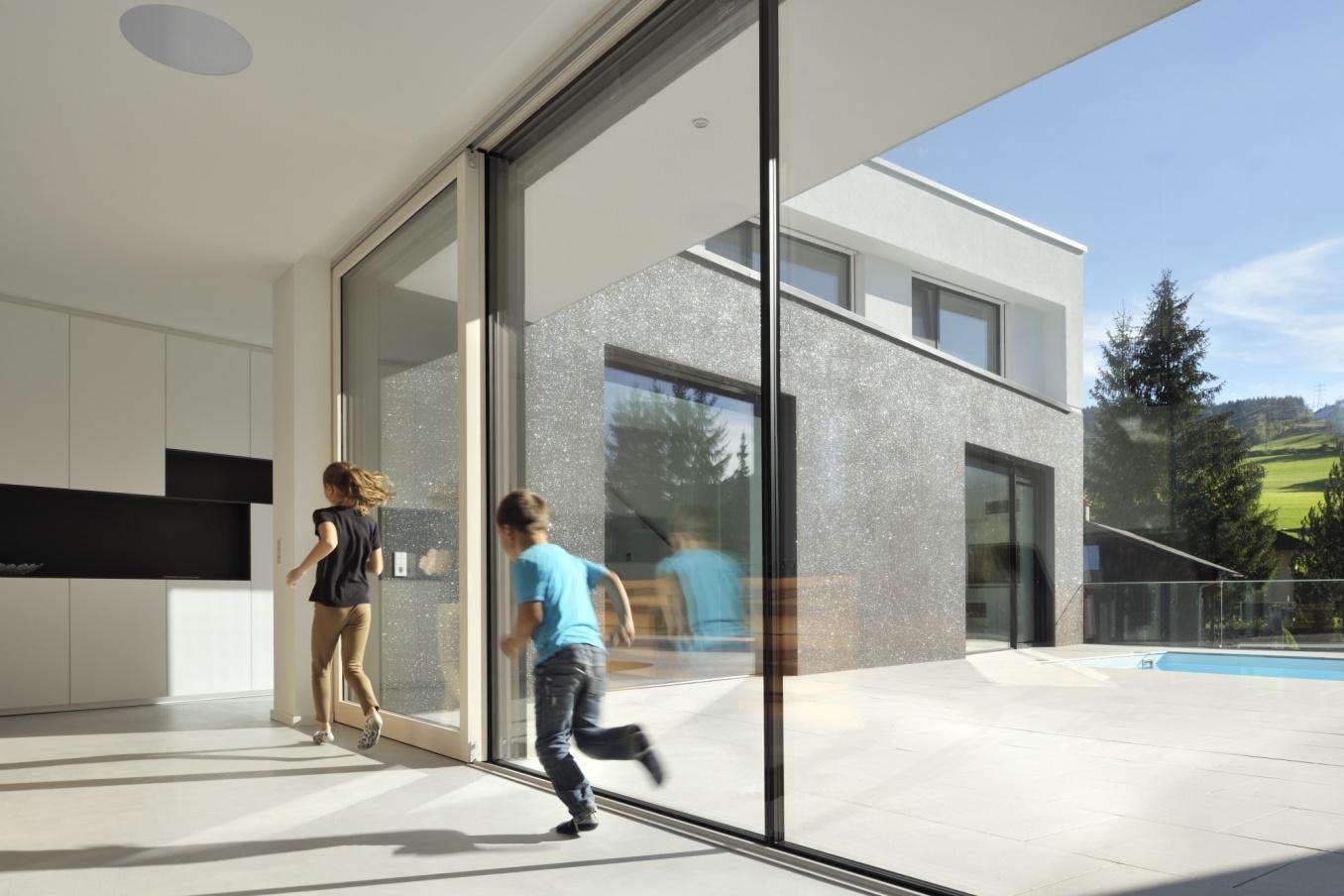 Velika drsna lesena okna
