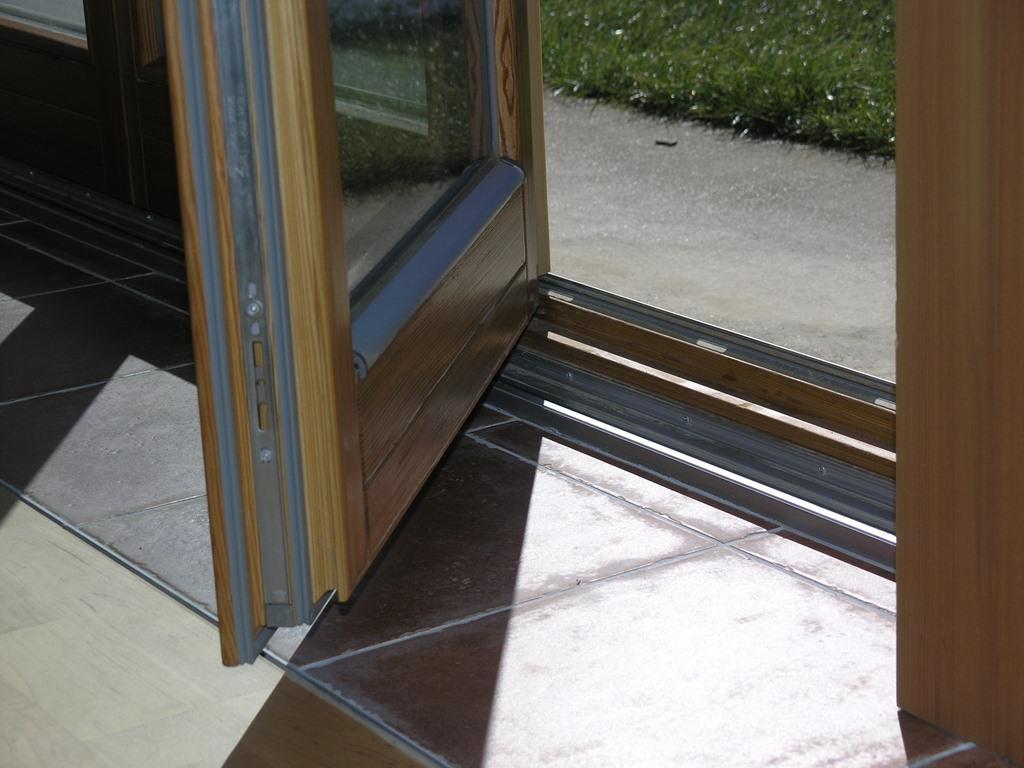 Zložljive steklene stene, harmonika vrata