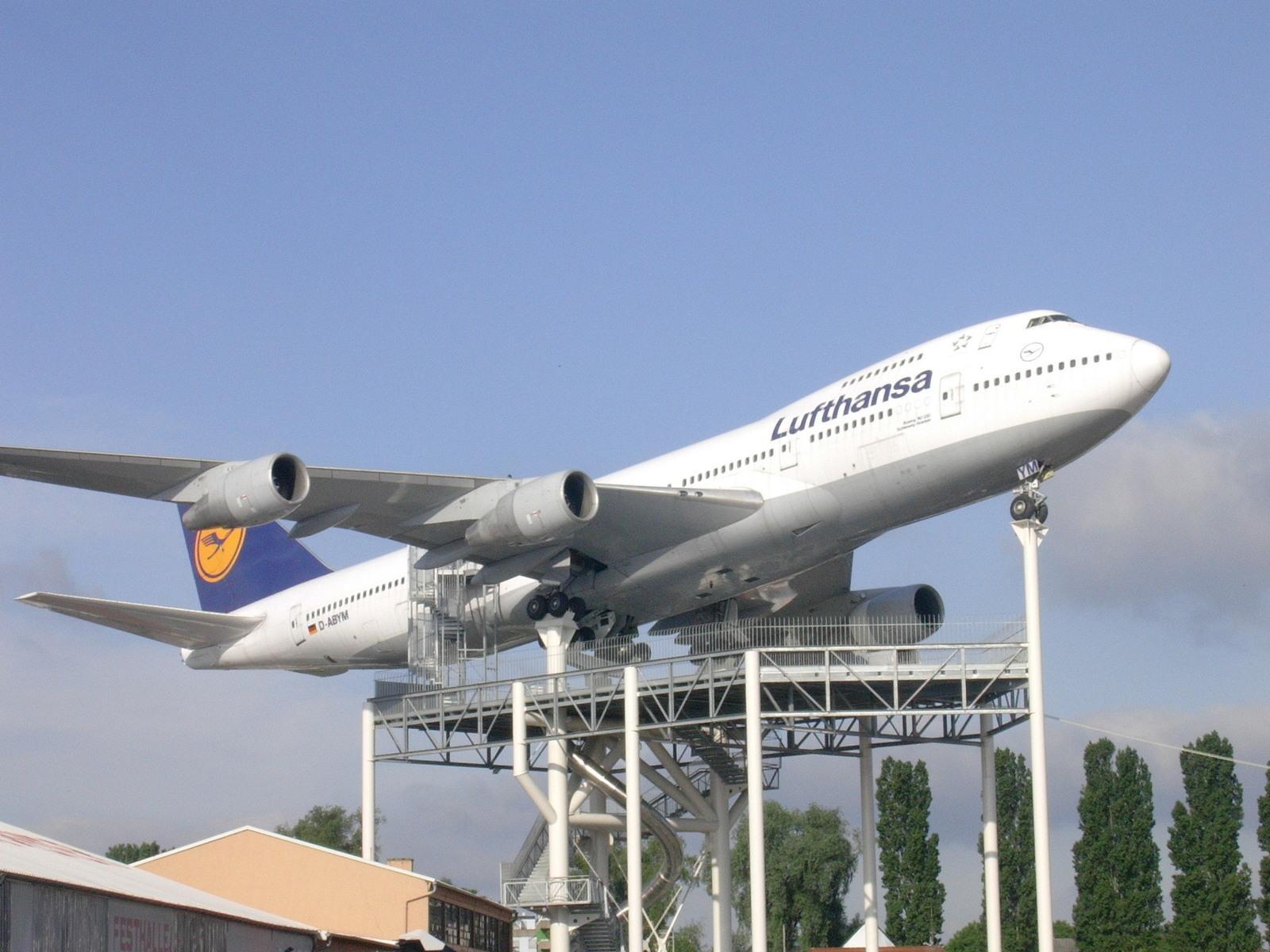 Letalski tovorni promet in transport