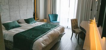 Sproščujoče barve spalnic