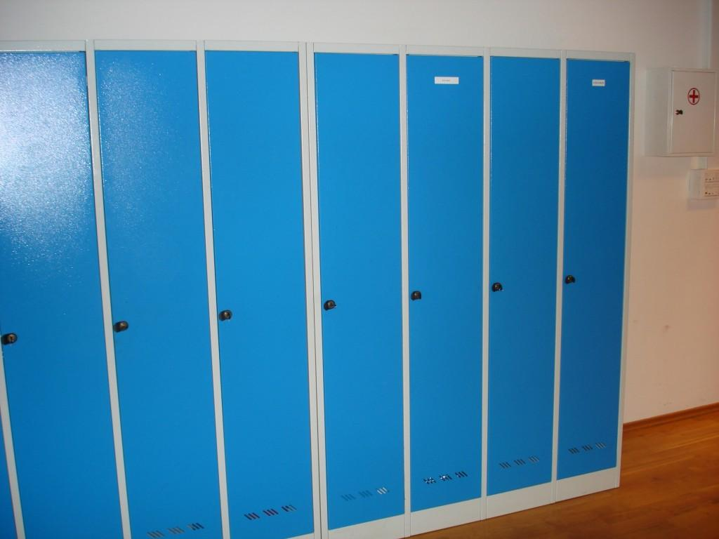 Garderobne kovinske omare