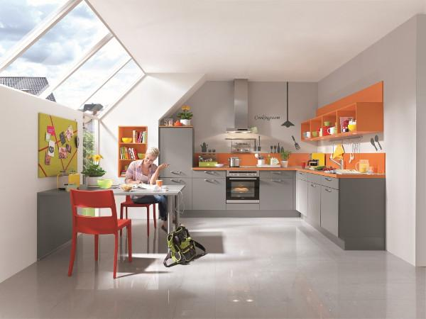 izris kuhinjske elemente v mansardi