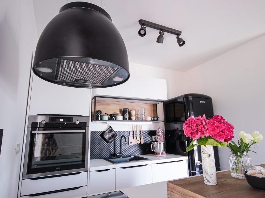 Moderna minimalistična kuhinja