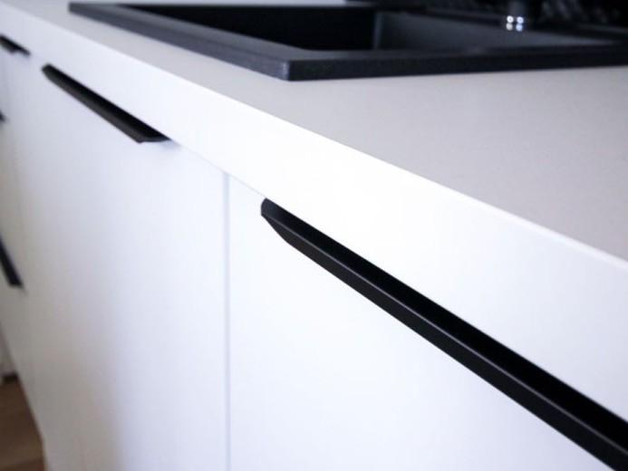 Iggled kuhinjskih omaric po naročilu