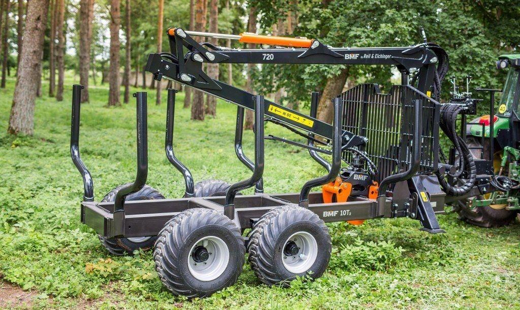 gozdarska traktorska prikolica