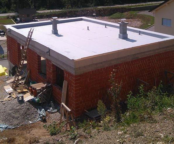 Vmesna stopnja gradnje in izdelava kritine ravne strehe
