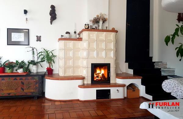 toplozračne in kaminske peči na pelete